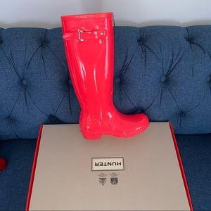 Hunter Original Tall Gloss Boot in Hyper Pink